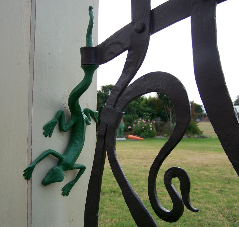Gecko Gate Detail